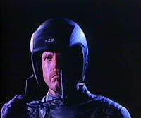'R.O.T.O.R.' una mezcla de Robocop y Terminator
